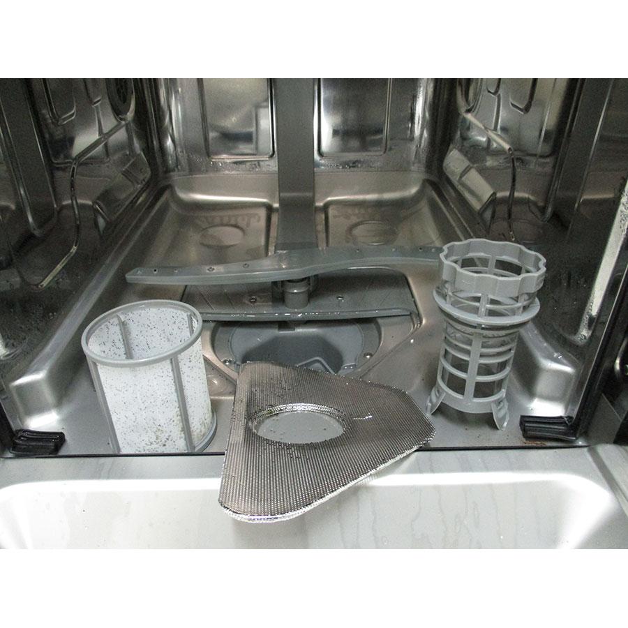 Brandt VS 1010J - Réservoir à sel et retrait du filtre