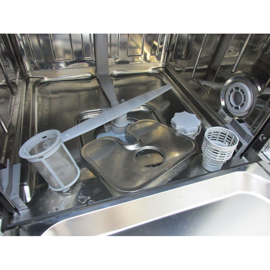 Candy CDPN2D522PW - Réservoir à sel et retrait du filtre