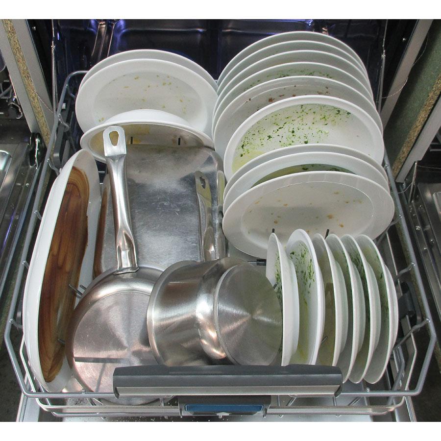 Electrolux ESF7506ROX - Rangement panier inférieur