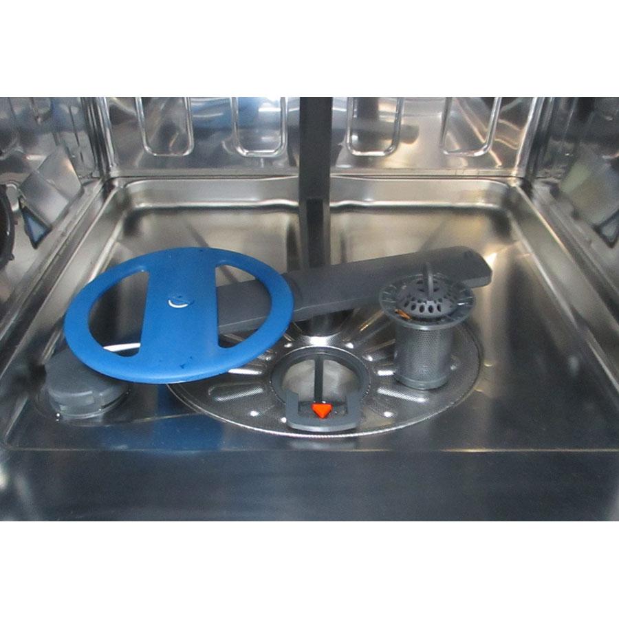 Electrolux ESI8550ROX - Réservoir à sel et retrait du filtre