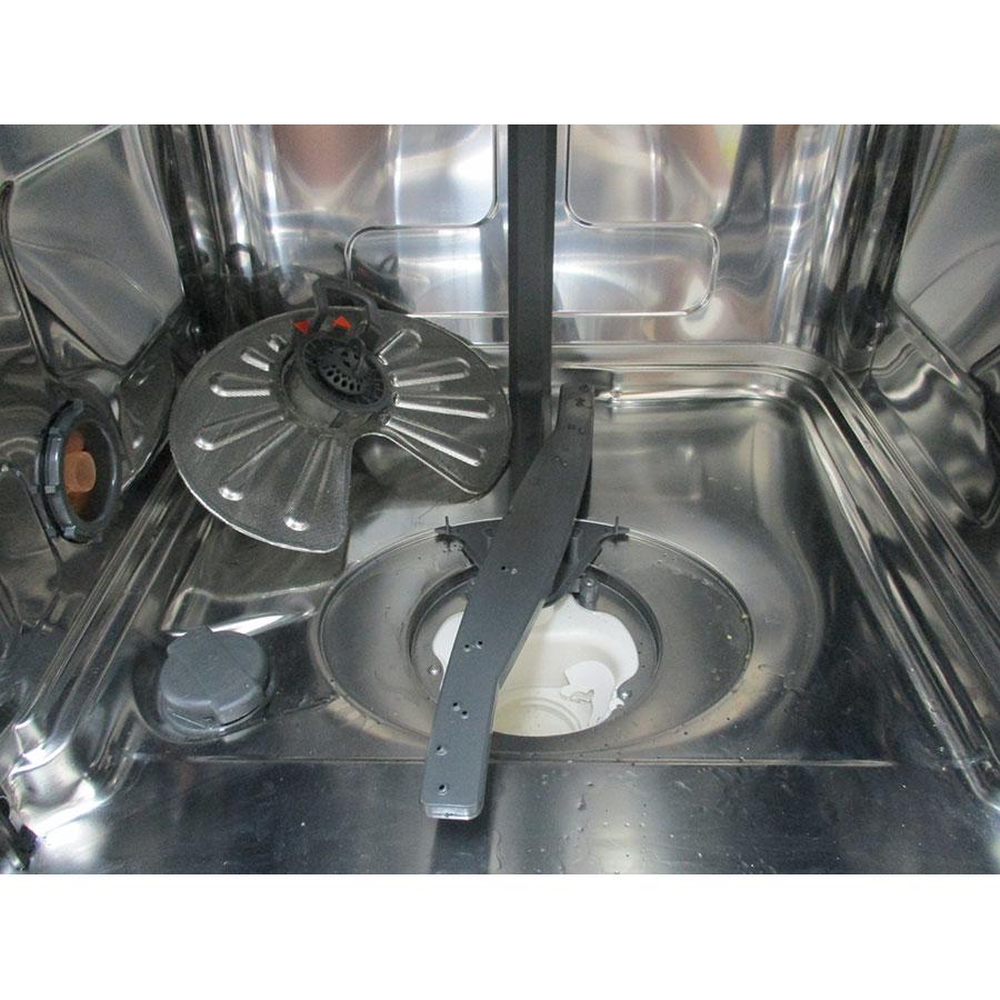 Electrolux ESL5333LO - Réservoir à sel et retrait du filtre
