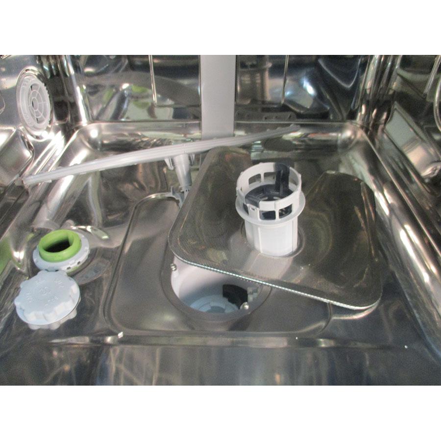 Laden AFE1B16  - Réservoir à sel ouvert et retrait du filtre