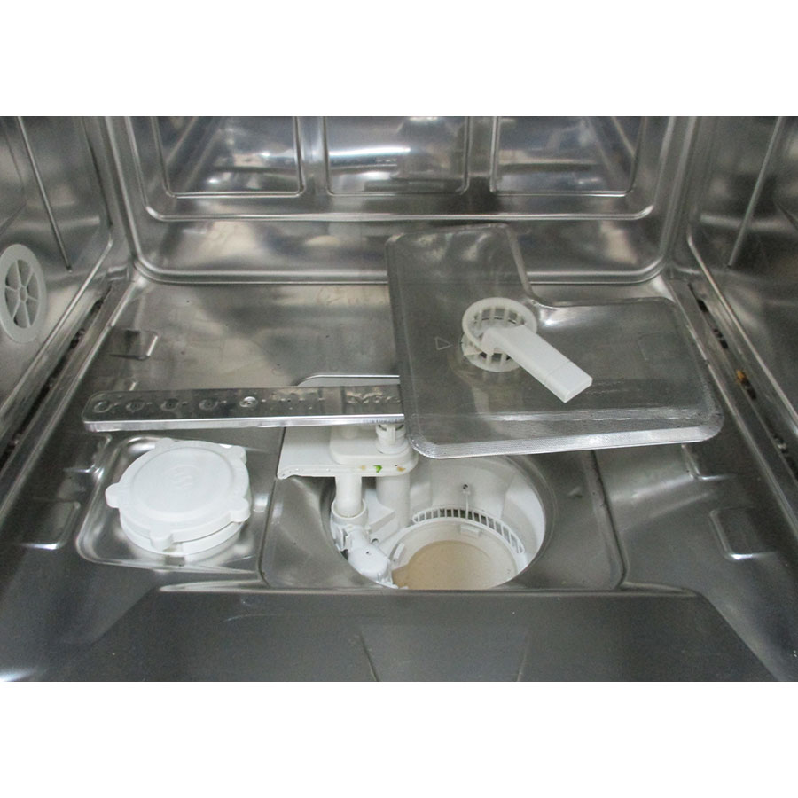 Miele G 4942SC - Réservoir à sel et retrait du filtre