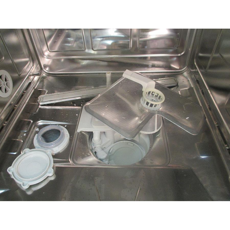 Miele G 6630 SC  - Réservoir à sel ouvert et retrait du filtre