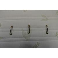 Le matelas Vert  - Test d'inflammabilité : trois cigarettes sont allumées et placées sur le matelas