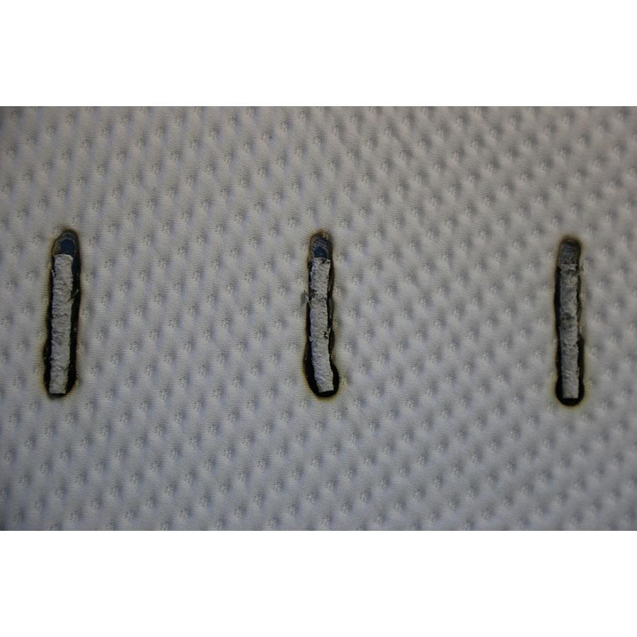 Emma O2 - Test d'inflammabilité : trois cigarettes sont allumées et placées sur le matelas