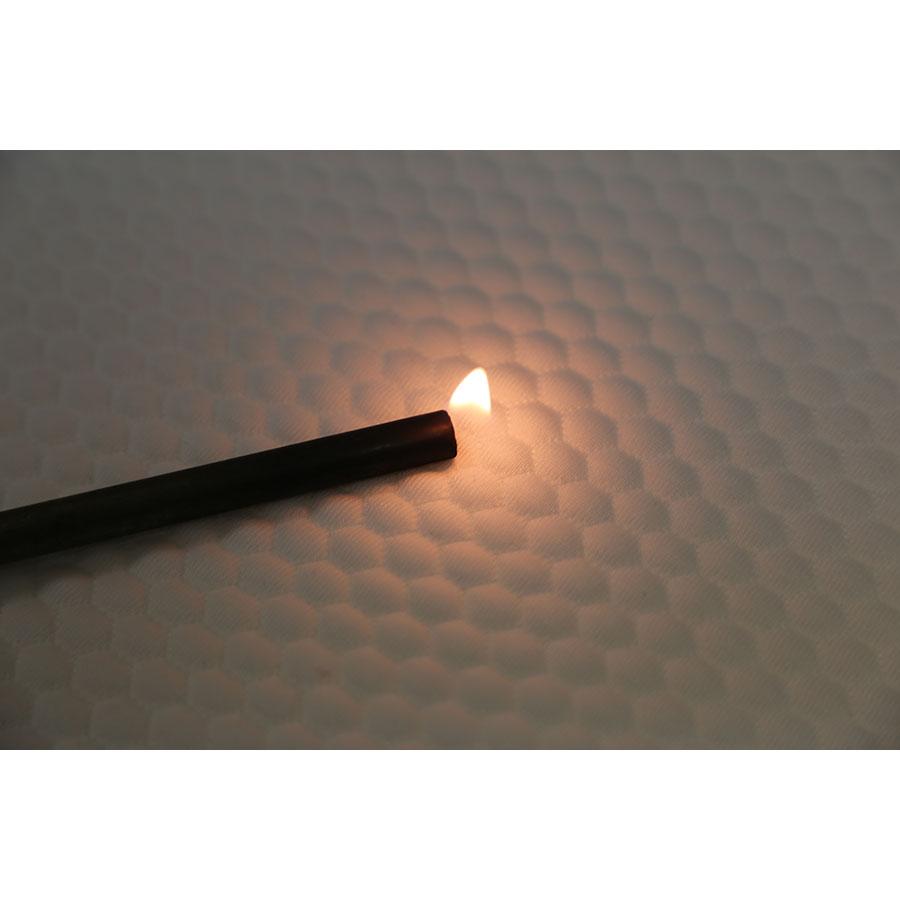 Eve Hybrid - Test d'inflammabilité effectué avec une allumette