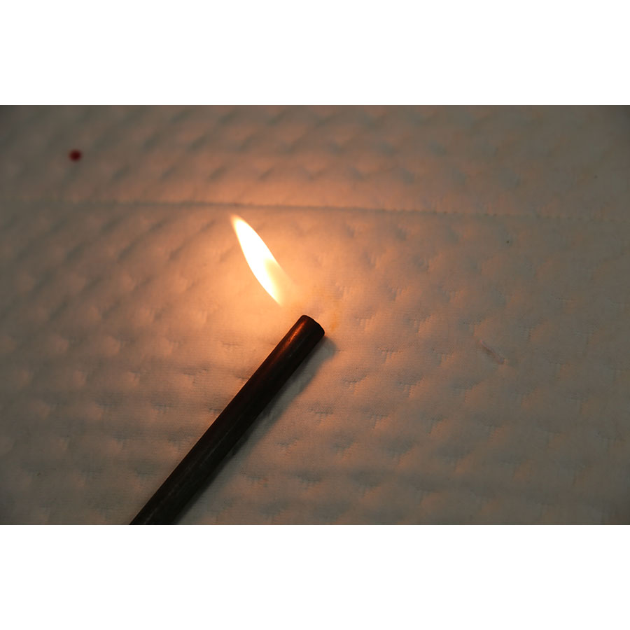 Ikea Mausund(*20*) - Test d'inflammabilité effectué avec une allumette