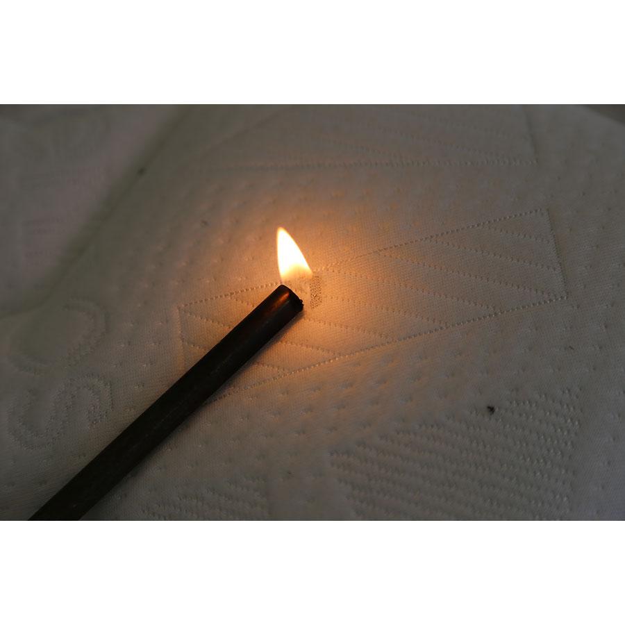 Merinos Gaston(*20*) - Test d'inflammabilité effectué avec une allumette