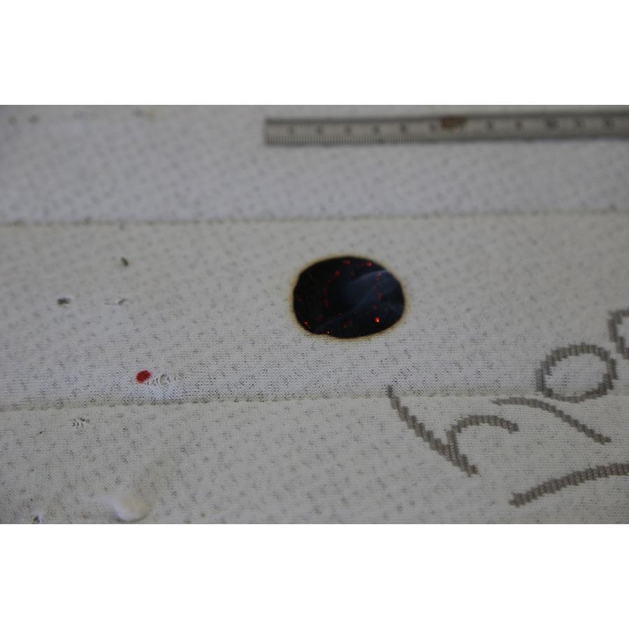 Novoly Matelas latex 100 % naturel Novopur - Résultat du test d'inflammabilité avec une allumette