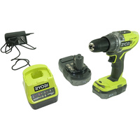 Ryobi R18DD3-220S - Vue ave le chargeur