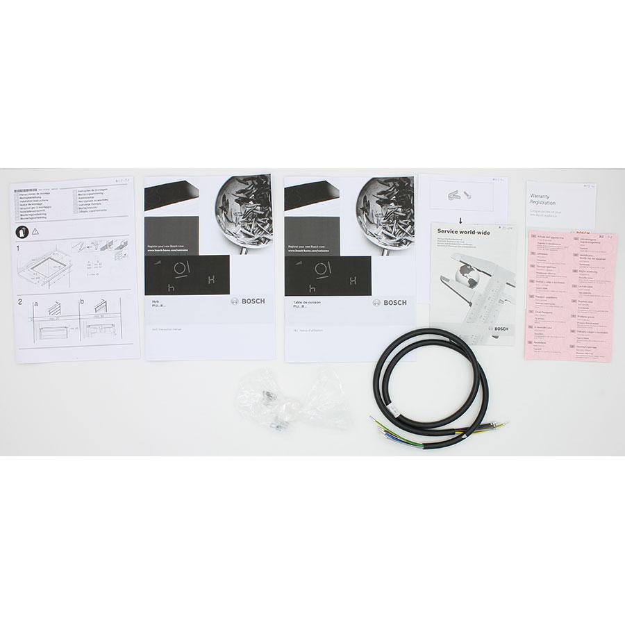 Bosch PIJ611BB1E - Accessoires et documents livrés avec le produit