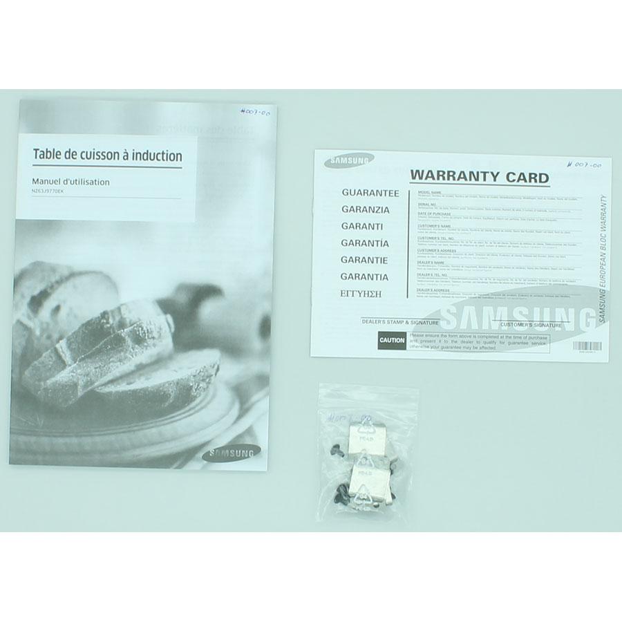 Samsung NZ63J9770EK - Accessoires et documents livrés avec le produit