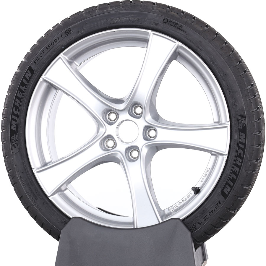 Michelin Pilot Sport 4 -