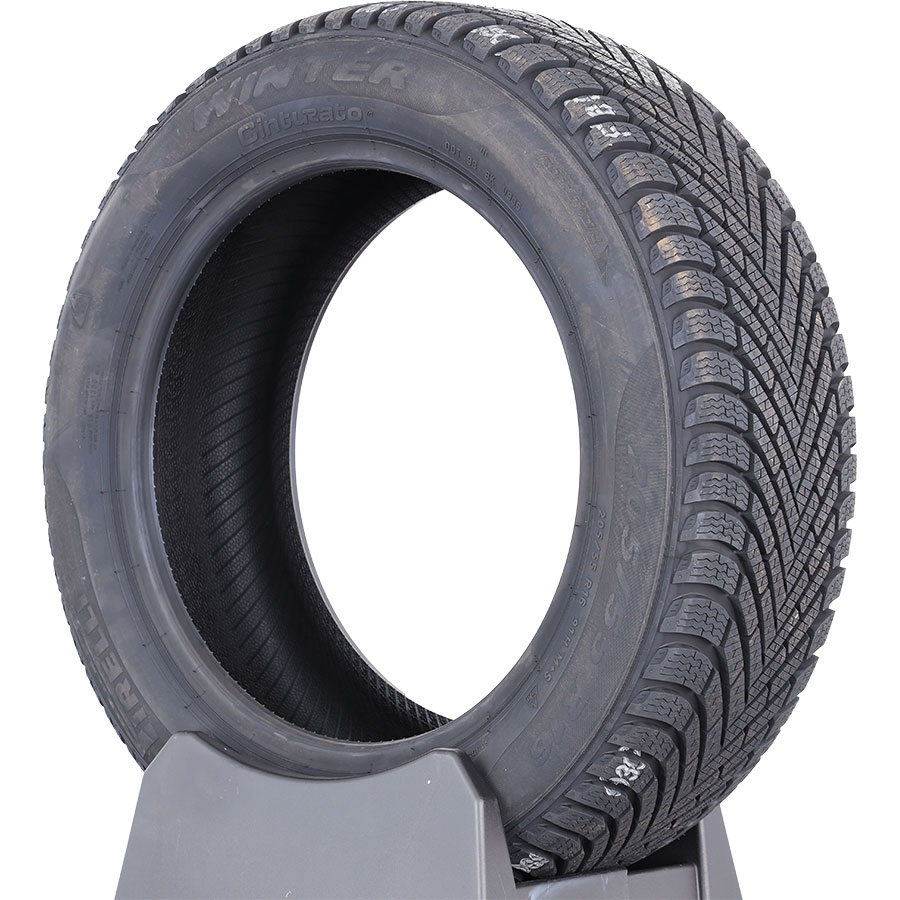 Pirelli Cinturato Winter -