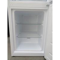 Indesit LR8S1W - Intérieur du congélateur sans les tiroirs