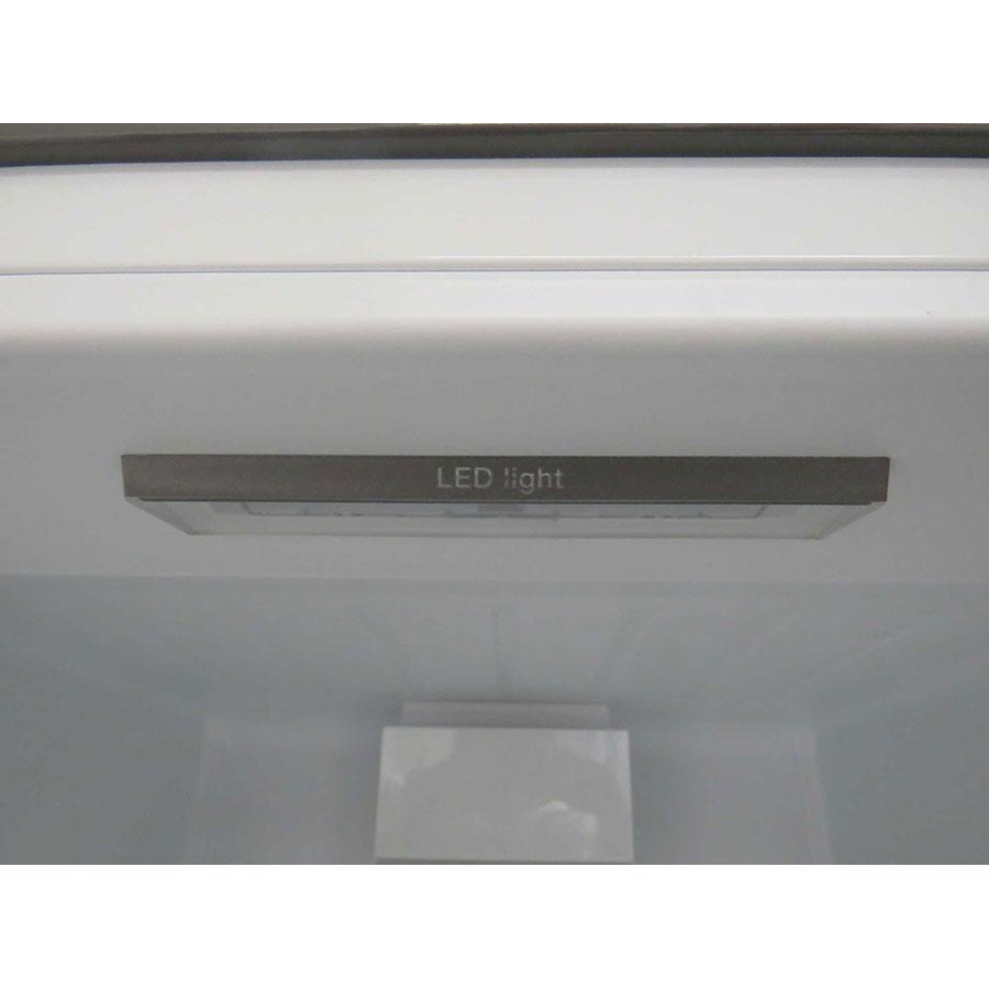Bosch KGV36VE32S - Éclairage