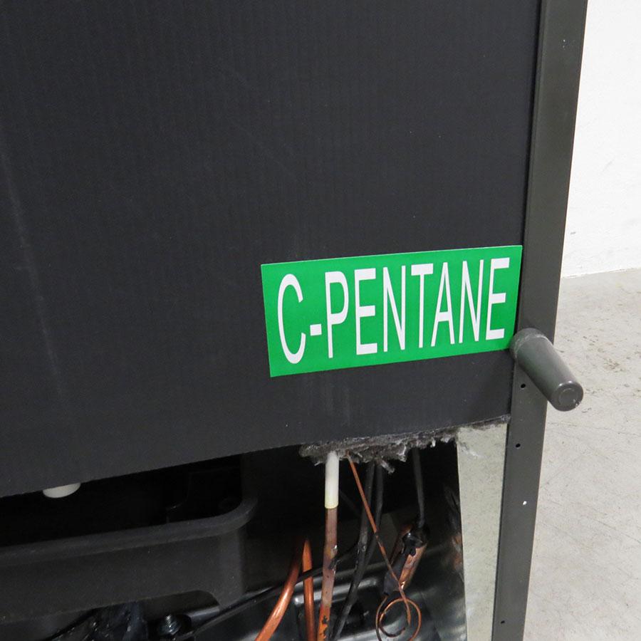Candy CCBS6182WH - Intérieur du congélateur sans les tiroirs