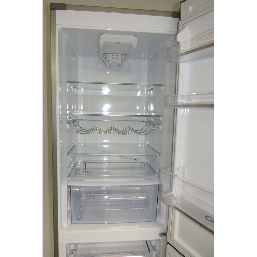 Candy CF 18 S WIFI - Intérieur du réfrigérateur