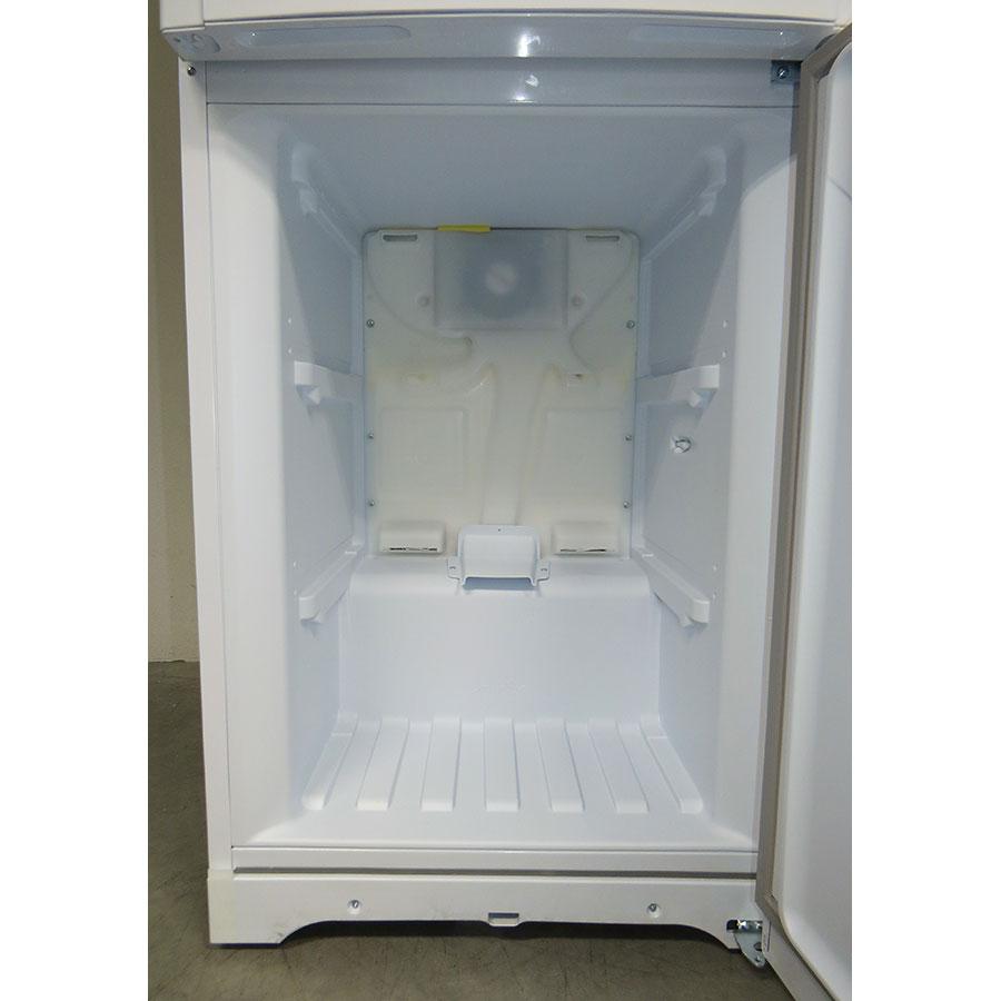 Hotpoint-Ariston EBM18210F - Intérieur du congélateur sans les tiroirs