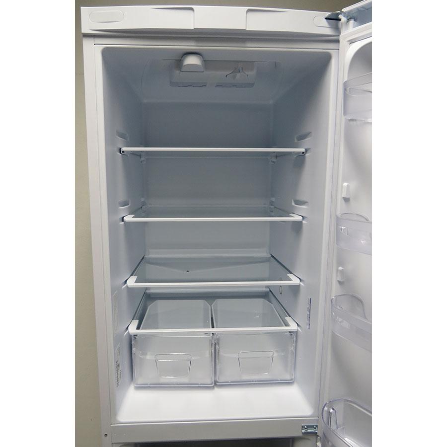 Indesit BIAA 13P - Intérieur du réfrigérateur