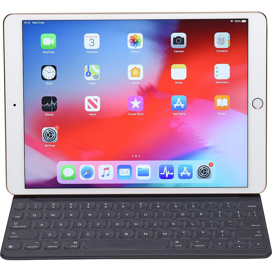 Apple iPad Air 2019 - Vue avec le clavier