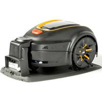 Mc Culloch Rob S600 - Tondeuse robot sur sa station de charge
