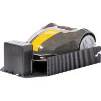 Stiga M5 - Tondeuse robot sur sa station de charge