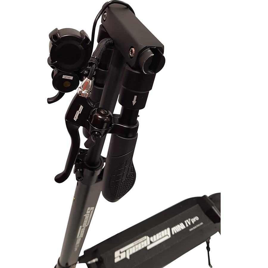 MiniMotors Speedway Mini Pro Lite - Les poignées rabattables permettent de réduire l'encombrement. Attention aux pincements lors de la manipulation !