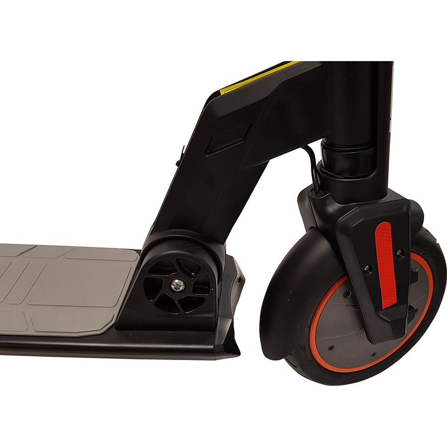 Urban Glide Ride 85XL(*1*) - À l'avant, la roue motrice de 8,5 pouces avec pneu gonflable.