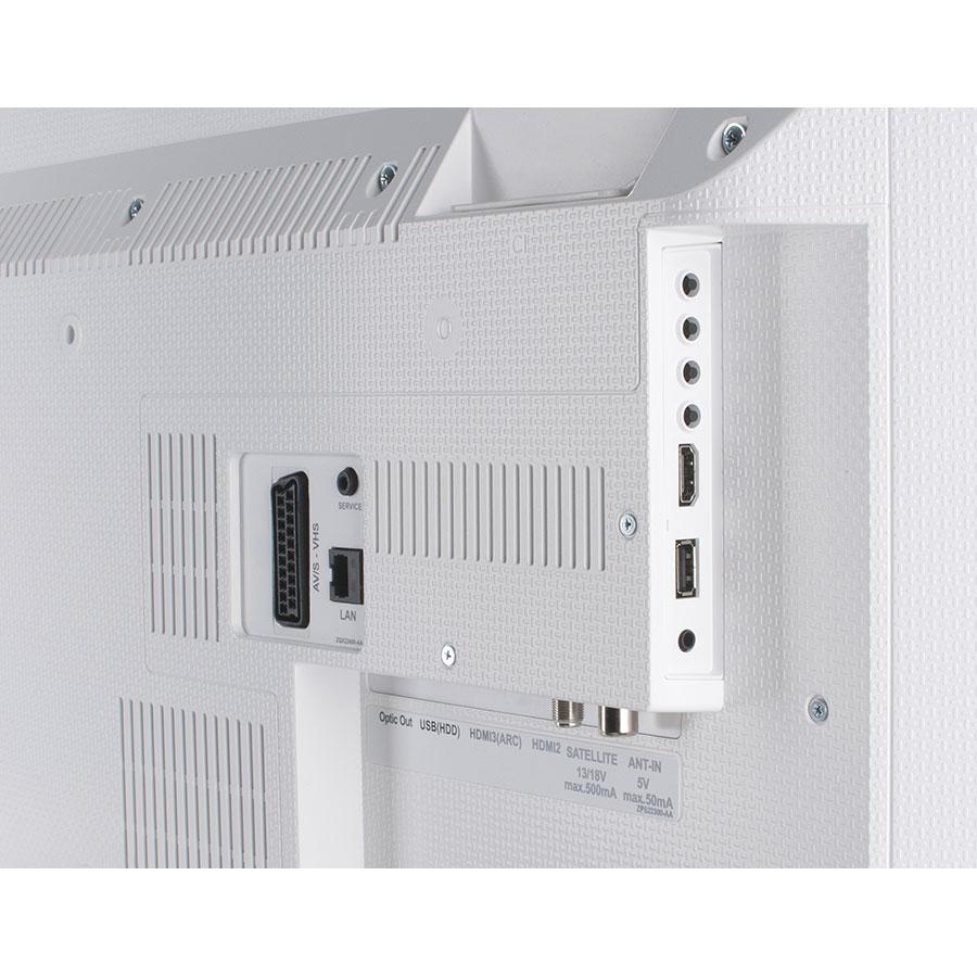 Grundig 55VLE6621BP - Connectique