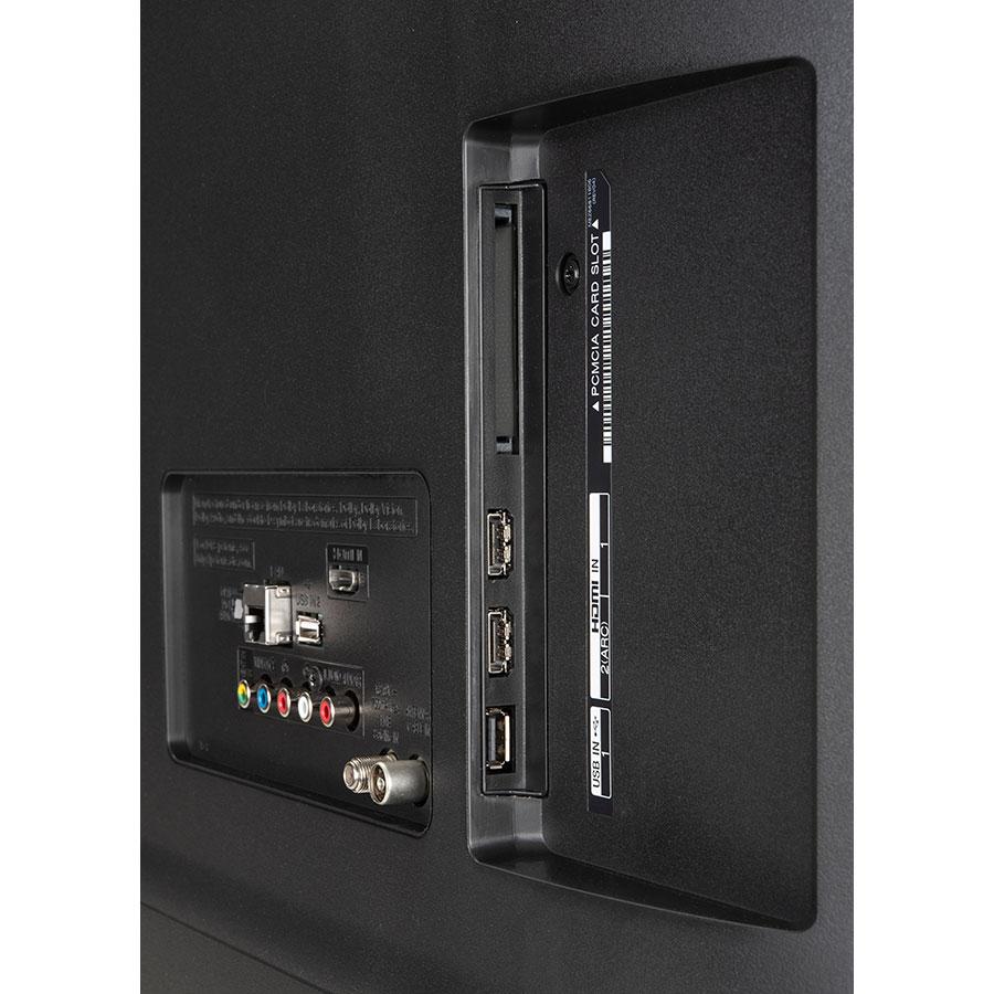 LG 49UM7050 - Connectique