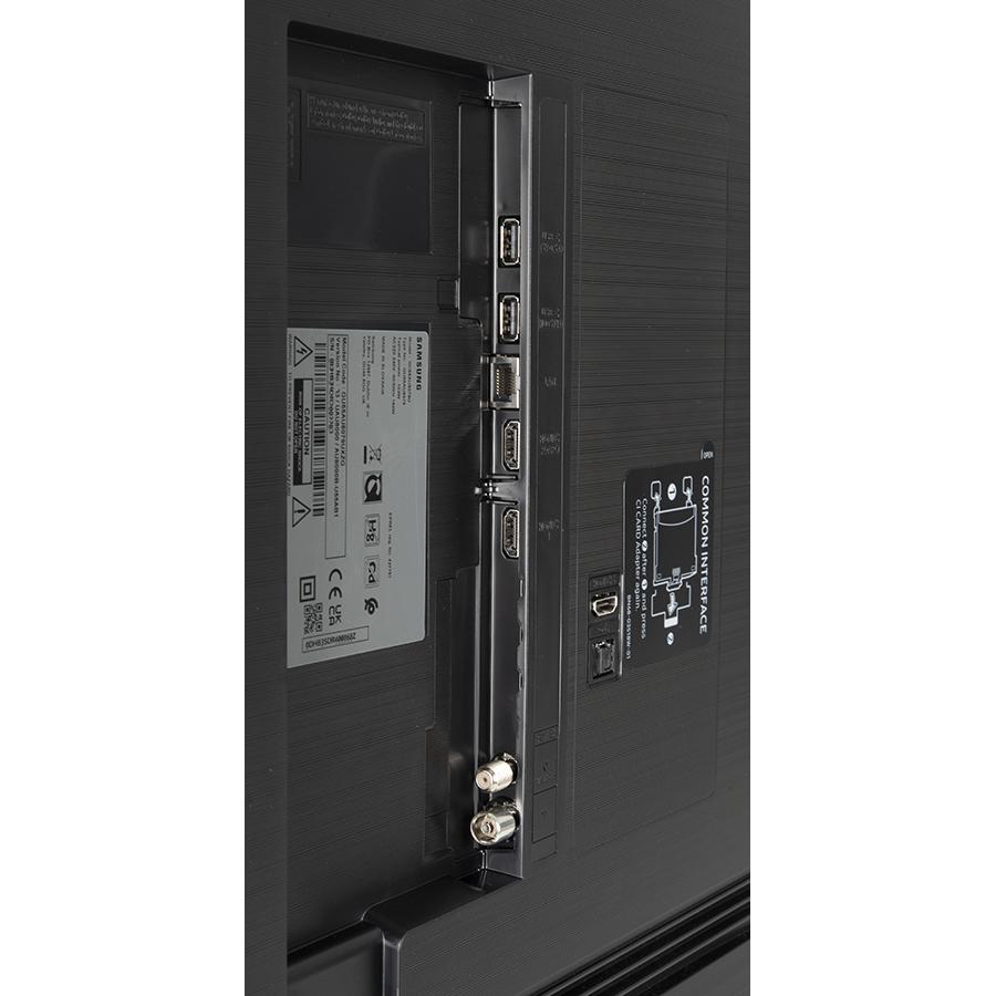 Samsung UE55AU8005 - Connectique