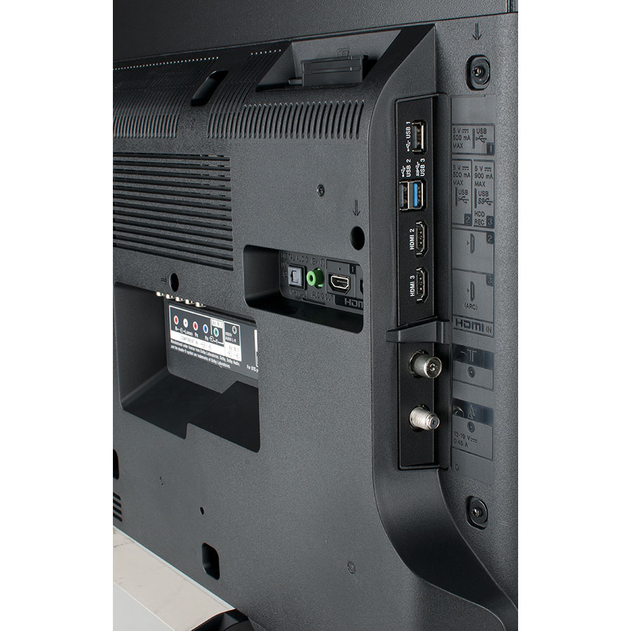 Sony KD-43XE8096BAEP - Connectique