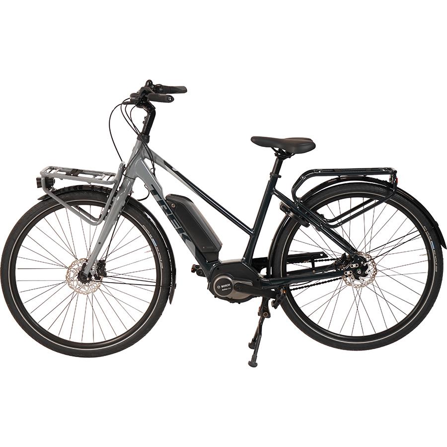 Trek District + 2 Stagger - Vélo en position parking