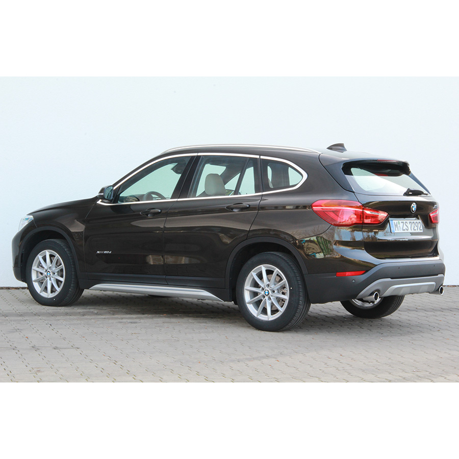 test bmw x1 xdrive20d 190 ch a comparatif suv 4x4 crossover ufc que choisir. Black Bedroom Furniture Sets. Home Design Ideas