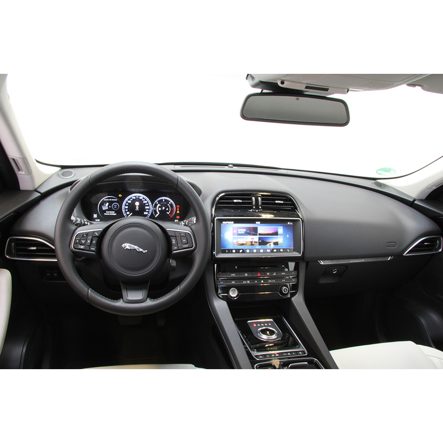 Jaguar F-Pace 2.0 D - 180 AWD Prestige A  -
