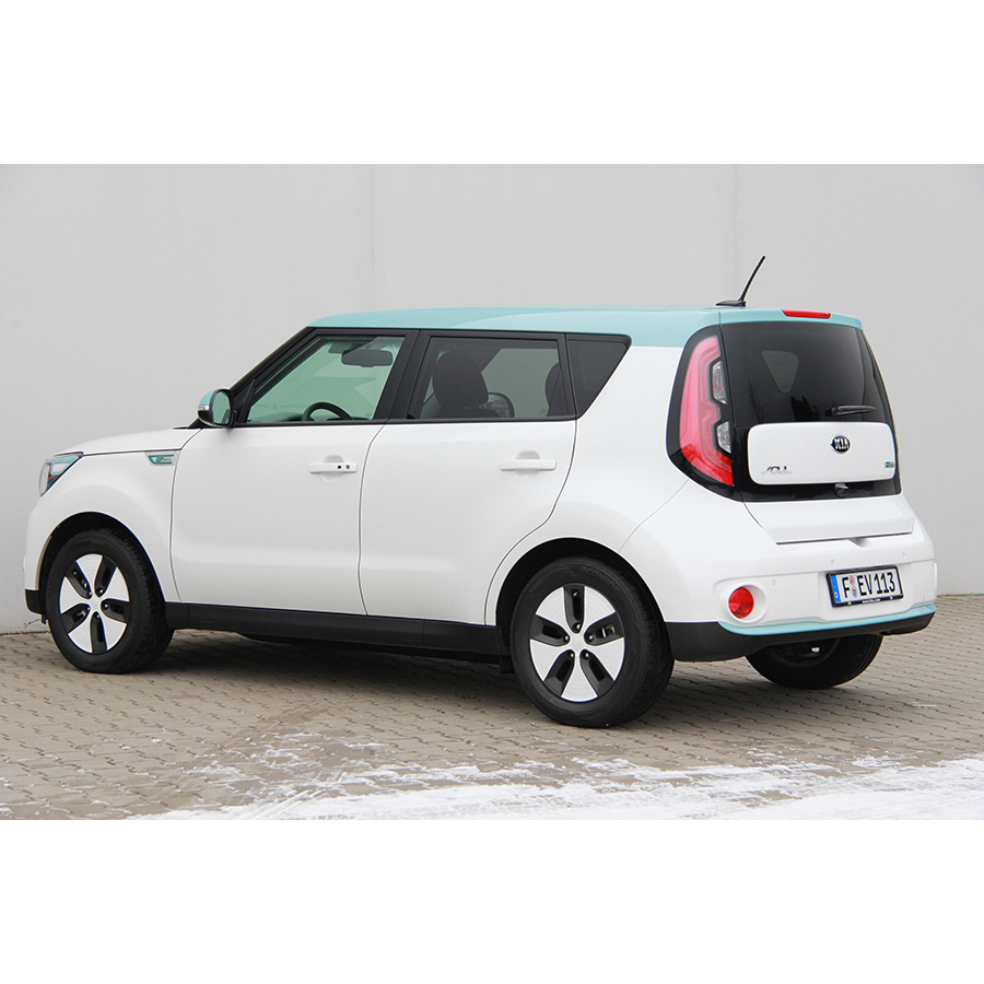 test kia soul ev lectrique comparatif suv 4x4. Black Bedroom Furniture Sets. Home Design Ideas