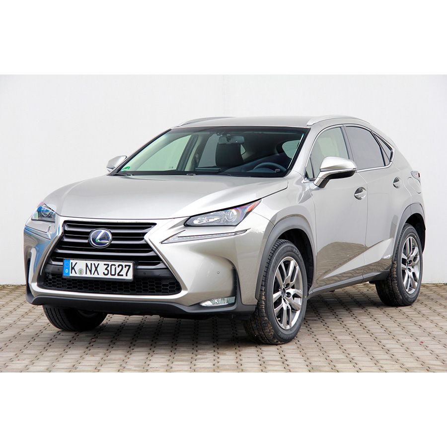 test lexus nx 300h 4wd e cvt comparatif suv 4x4 crossover ufc que choisir. Black Bedroom Furniture Sets. Home Design Ideas