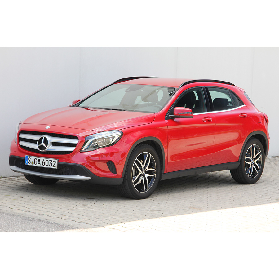 test mercedes classe gla 200 comparatif suv 4x4 crossover ufc que choisir. Black Bedroom Furniture Sets. Home Design Ideas