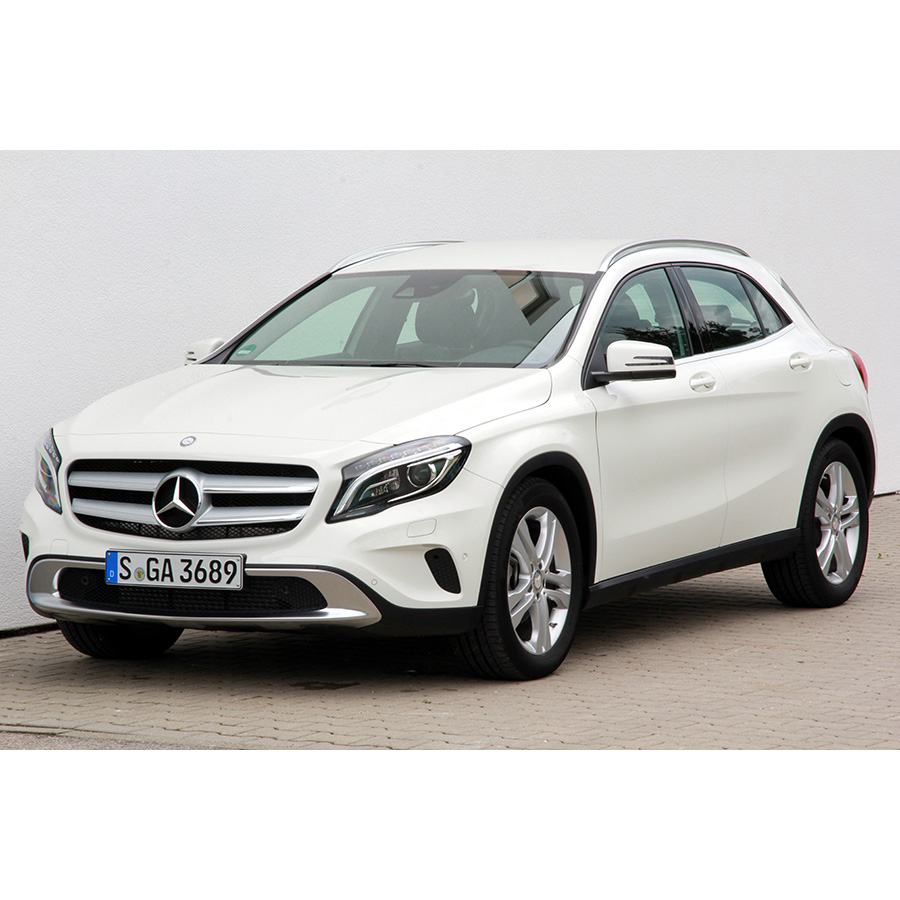 test mercedes gla 200 d comparatif suv 4x4 crossover. Black Bedroom Furniture Sets. Home Design Ideas