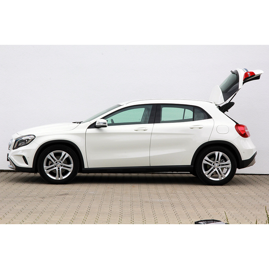 test mercedes gla 200 d comparatif suv 4x4 crossover ufc que choisir. Black Bedroom Furniture Sets. Home Design Ideas