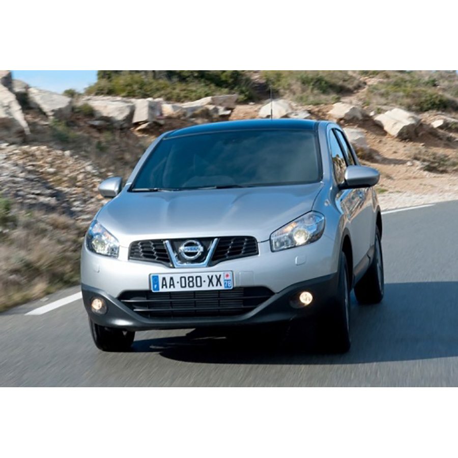 avis nissan qashqai 1 6 dci 130 nissan qashqai d 39 occasion 1 6 dci 130 tekna 4wd le mans. Black Bedroom Furniture Sets. Home Design Ideas