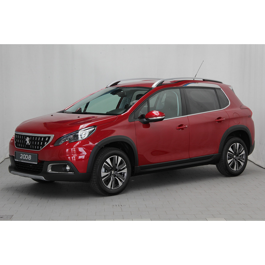 test peugeot 2008 1 2 puretech 110 start stop eat6 comparatif suv 4x4 crossover ufc que. Black Bedroom Furniture Sets. Home Design Ideas