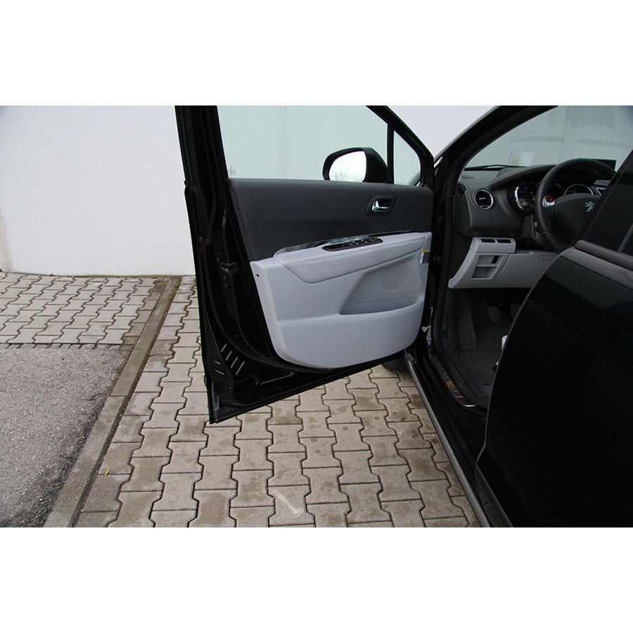 Peugeot 3008 1.6 155 THP -