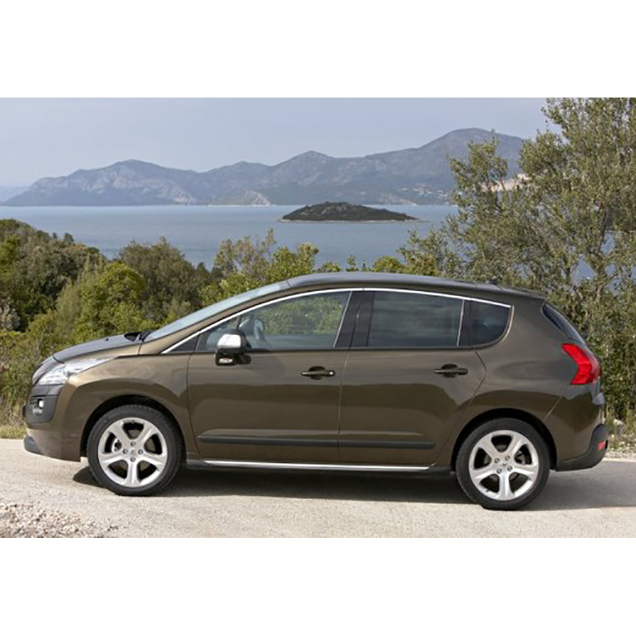 test peugeot 3008 hybrid4 2 0 hdi 163 bmp6 electric 37 ch comparatif suv 4x4 crossover. Black Bedroom Furniture Sets. Home Design Ideas