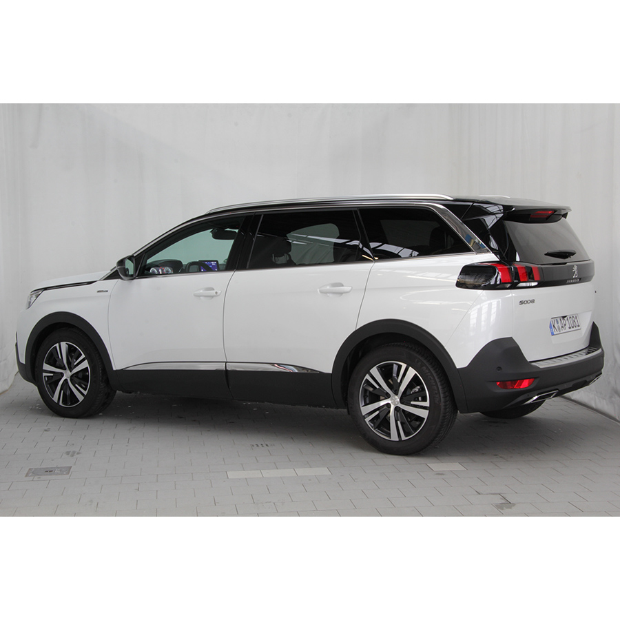 test peugeot 5008 2 0 bluehdi 150 s s bmv6 comparatif suv 4x4 crossover ufc que choisir. Black Bedroom Furniture Sets. Home Design Ideas