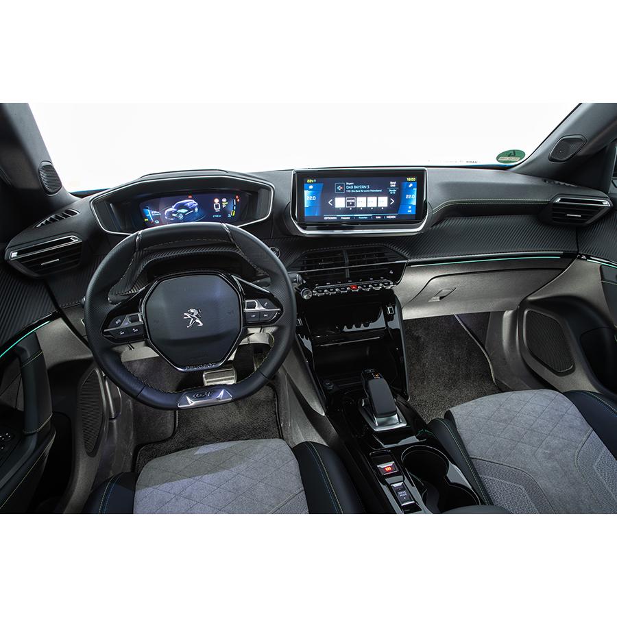 Peugeot e-2008 électrique 136 ch -