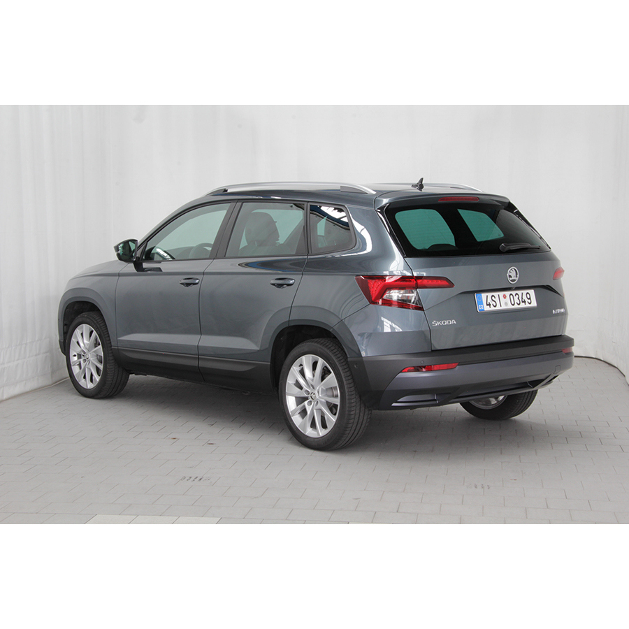 test skoda karoq 1 5 tsi 150 ch act dsg7 comparatif suv. Black Bedroom Furniture Sets. Home Design Ideas