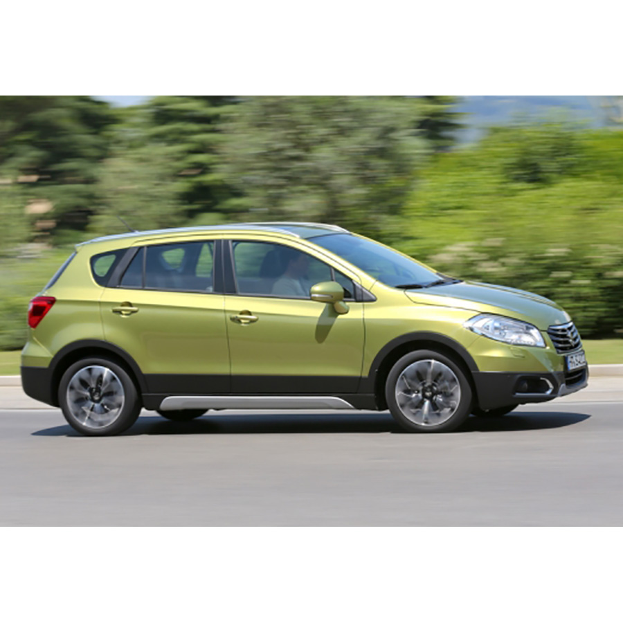 test suzuki sx4 s cross 1 6 ddis 120 4x4 allgrip comparatif suv 4x4 crossover ufc que choisir. Black Bedroom Furniture Sets. Home Design Ideas